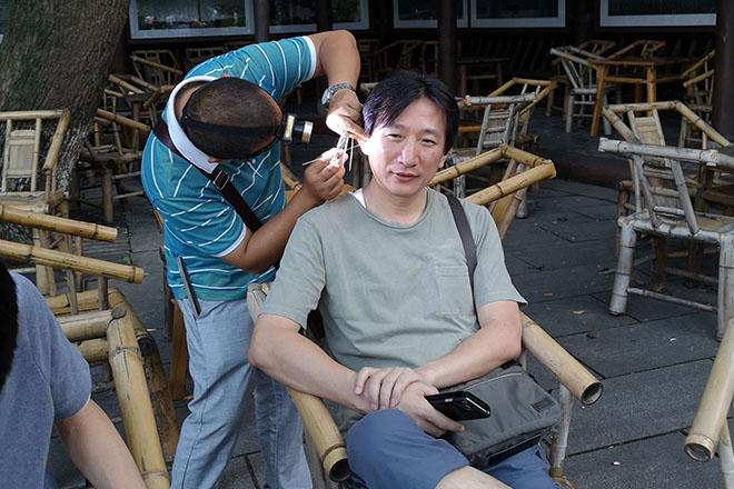 街頭耳掻きサービス